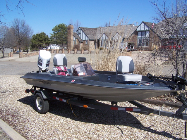 Basscat boats lookup beforebuying for Buy bass boat without motor